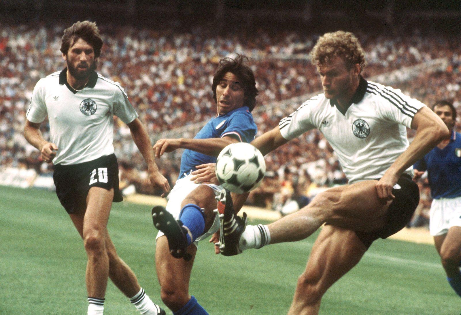 Trikots / WM 1982