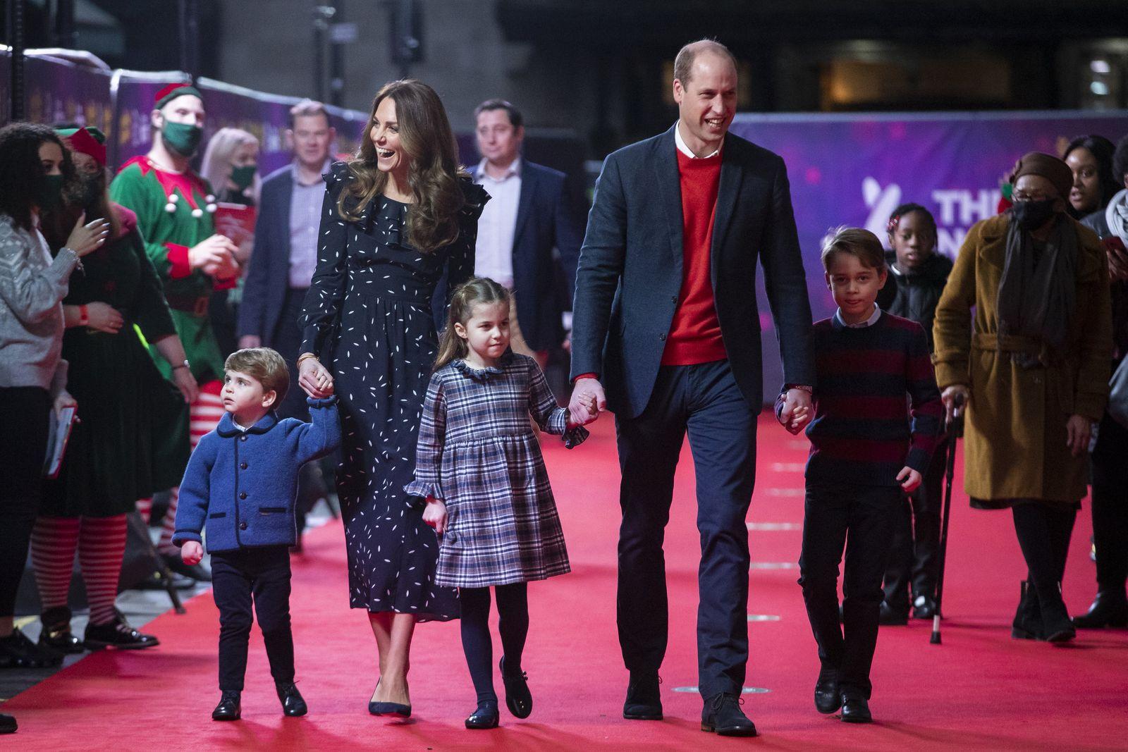 William und Kate erstmals mit allen Kindern auf dem roten Teppich