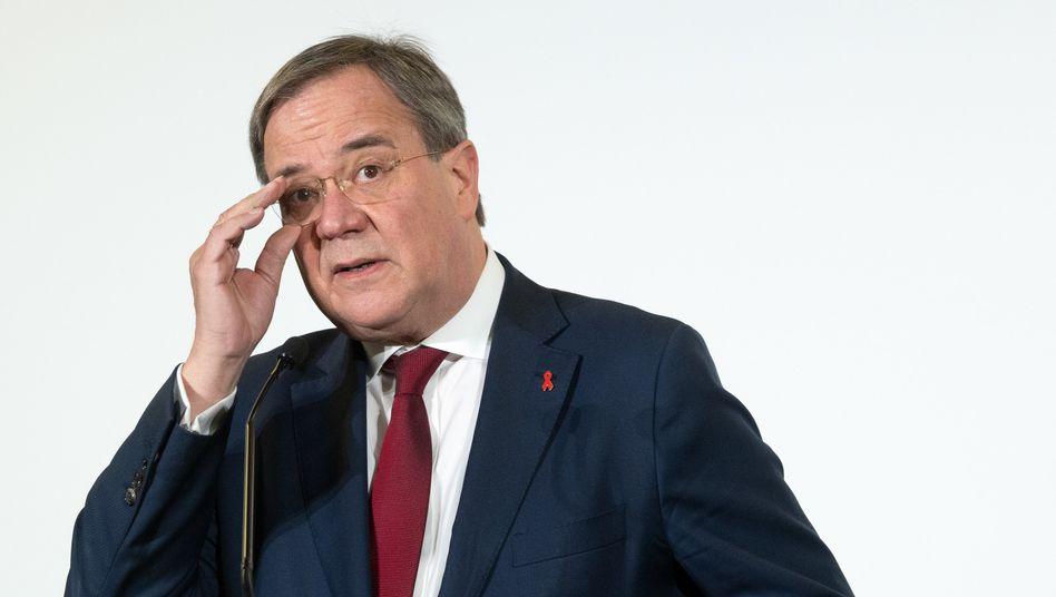 NRW-Ministerpräsident Armin Laschet: »Perspektive hin zu mehr Normalität«