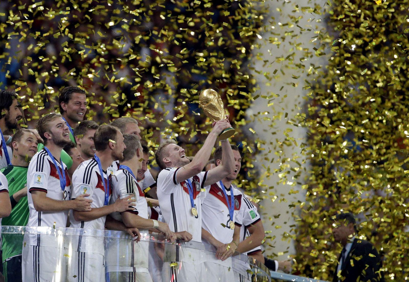WM 2014/ DFB-Team/ Pokal