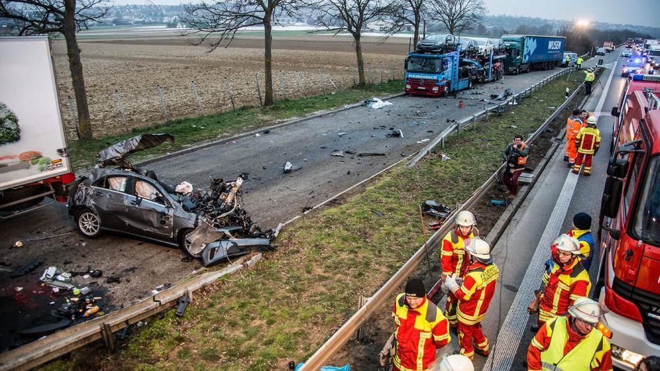Unfall auf der B27 bei Filderstadt