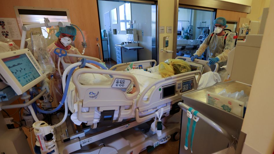 Covid-19-Patient in Berlin: Eine Biobank soll mögliche Langzeitschäden dokumentieren