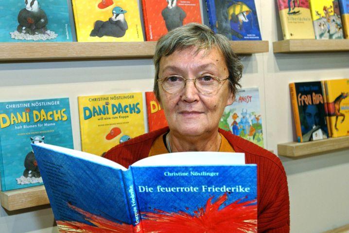 Nöstlinger 2003 auf der Frankfurter Buchmesse