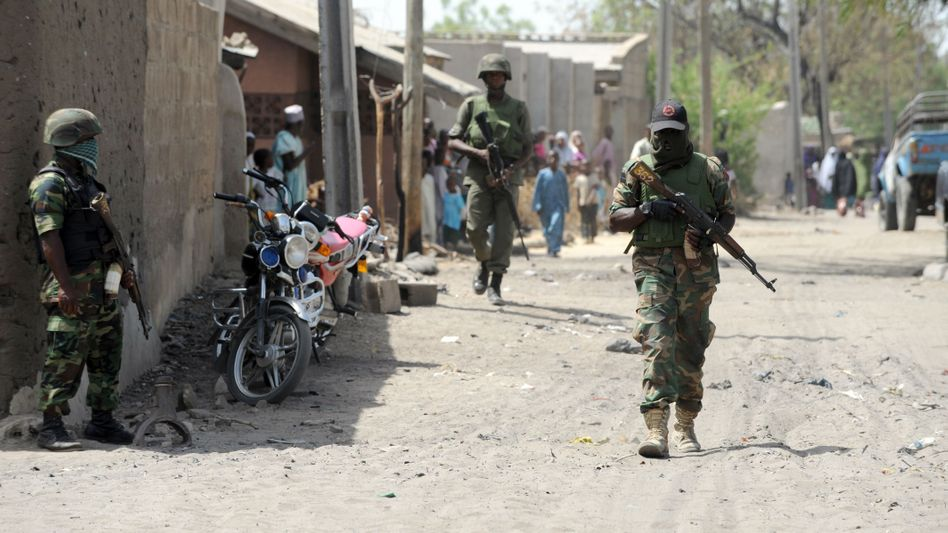 Tyrannei in Nigeria: Boko Haram brennt Stadt nieder