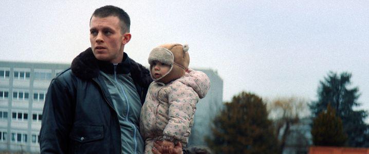 """Jannis Niewöhner in """"Kids Run"""" von Barbara Ott"""