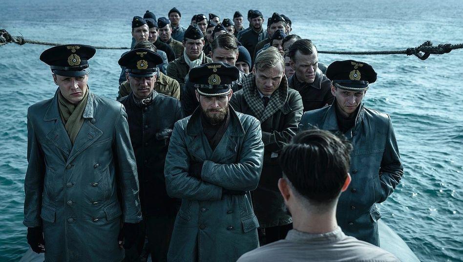 """Ein jeder macht sich schuldig: Szene aus der zweiten Staffel von """"Das Boot"""""""