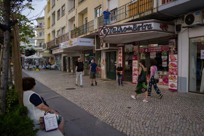 Die Avenida in Moscavide, einem ruhigen und beschaulichen Vorort von Lissabon