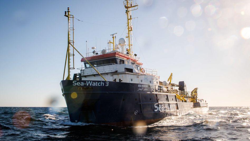 Italien anzusteuern könnte für die Hilfsorganisation Sea Watch künftig hohe Geldbußen nach sich ziehen