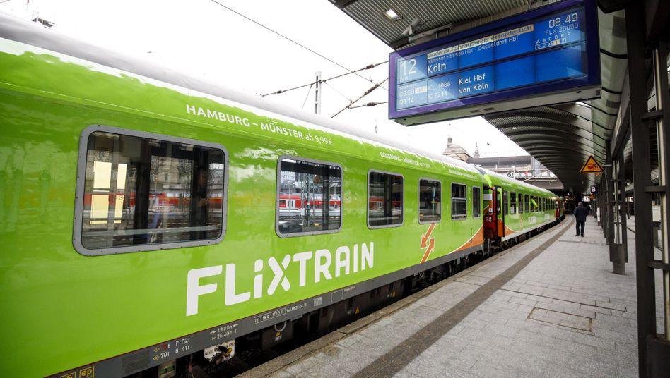 Flixtrain am Hamburger Hauptbahnhof