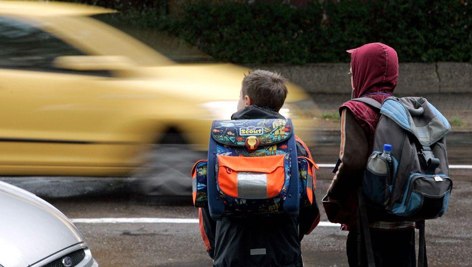Kinder im Straßenverkehr.