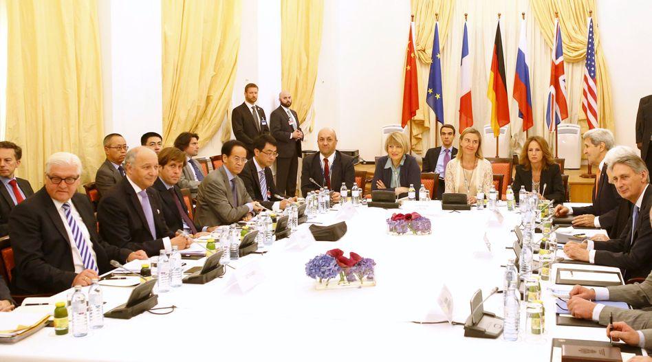 Verhandlungen in Wien: Sechser-Gruppe an einem Tisch