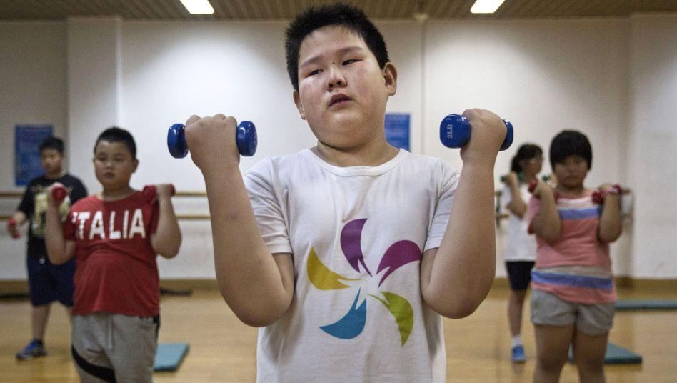 Trainingskurs für übergewichtige Kinder in China (Archivbild)
