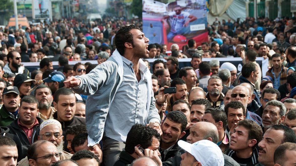 Proteste in Port Said: Viele Ägypter fühlen sich um die Revolution betrogen
