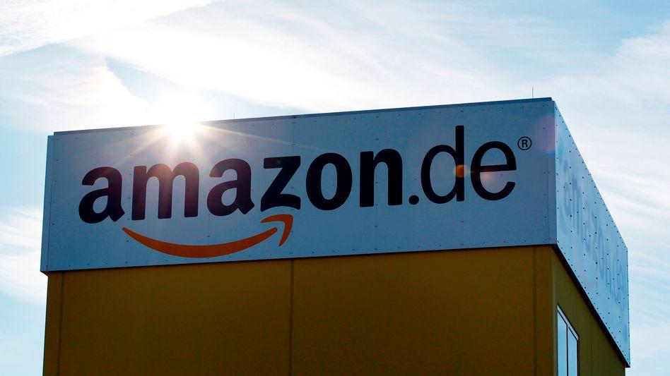 Amazons Logistikzentrum bei Augsburg: Harsche Kritik von Autoren