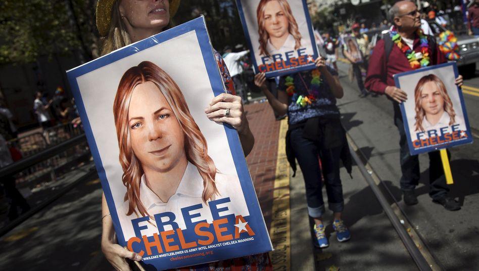 Demonstranten protestieren für die Freilassung Mannings (Archiv)