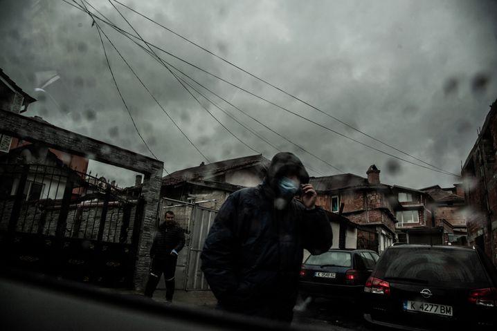 Roma-Siedlung in Bulgarien: Viele klagen in der Pandemie über fehlenden Schutz und zunehmende Diskriminierung