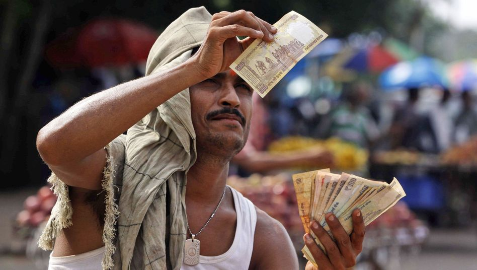 Straßenverkäufer im ostindischen Bhubaneswar: Angst vor Kapitalflucht