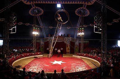 "Zauberland Zirkus: Die Manege des ostdeutschen Zirkus ""Probst"""