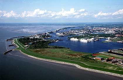 Die Stadt am Jadebusen ist an drei Seiten vom Wasser umgeben