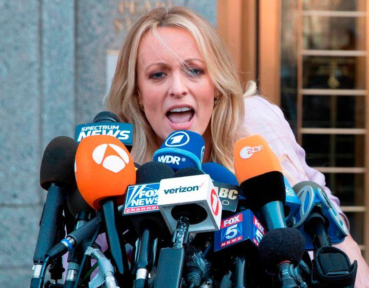 Pornodarstellerin und mutmaßliche Trump-Geliebte Stormy Daniels: Woher kam das Schweigegeld?