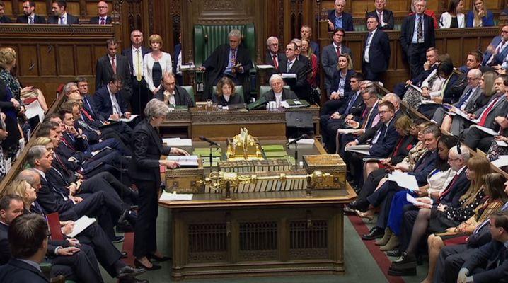 Theresa May bei der wöchentlichen Fragestunde im Unterhaus