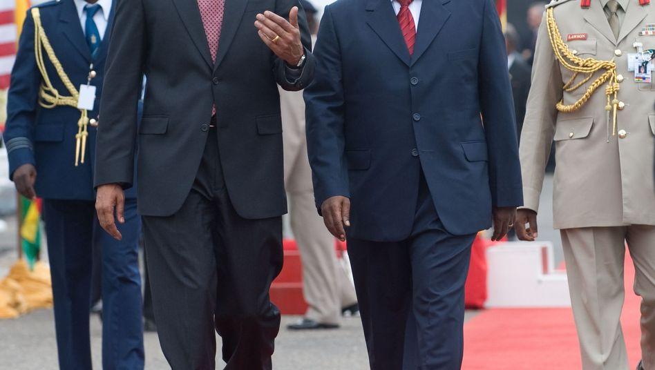 John Atta Mills (mit US-Präsident Obama in Accra im Jahr 2009): Tod im Alter von 68 Jahren