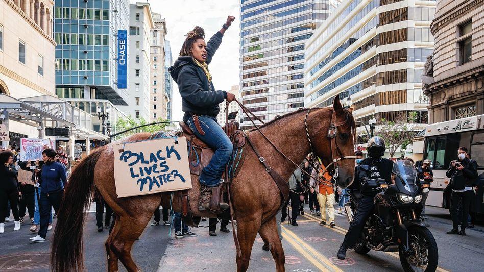 Aktivistin Noble bei einer Demonstration gegen Polizeigewalt in Oakland