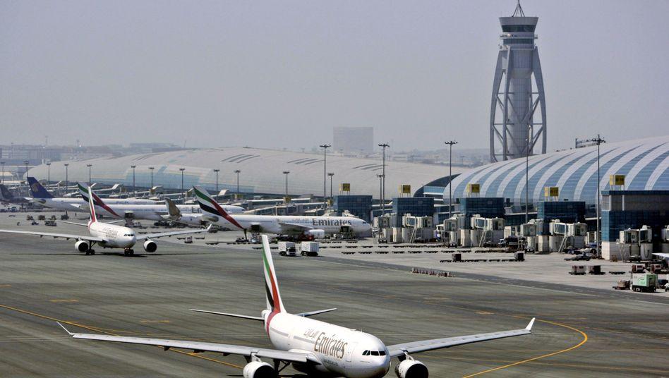 Emirates-Flugzeug in Dubai