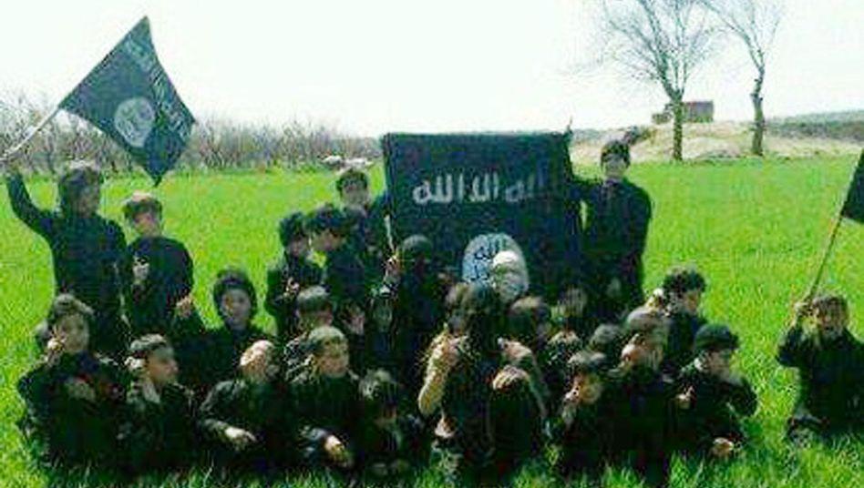 IS-Kindersoldaten in der Nähe von Rakka: Eine ganze Generation wird indoktriniert