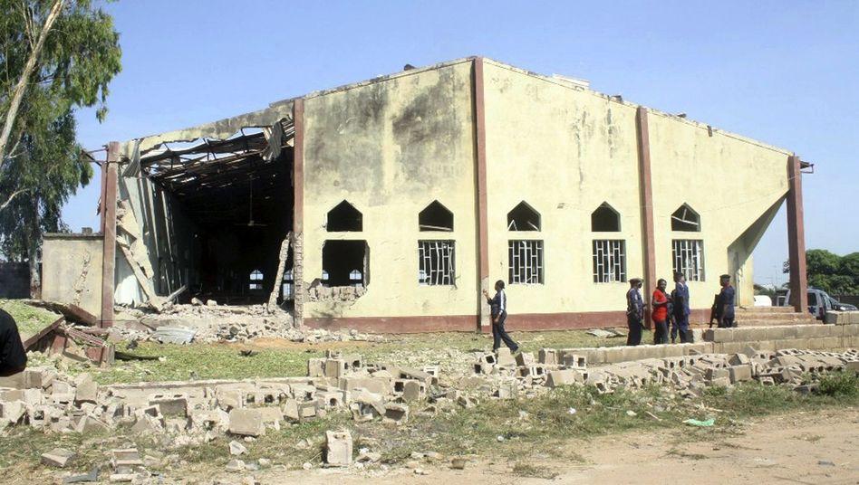 Kirche in Kaduna nach dem Anschlag: Tote und viele Verletzte