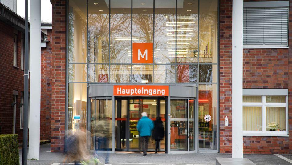 Coronavirus in Mönchengladbach: 35 Personen nach Kontakt mit infiziertem Arzt isoliert
