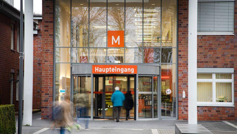 Krankenhaus Maria Hilf in Mönchengladbach: Patienten und Mitarbeiter unter Quarantäne