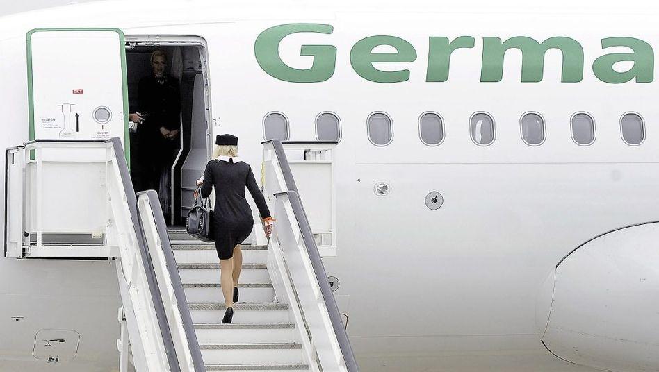 Germania-Flugbegleiterin: »Lohnt sich eine Strecke, fliegen wir sie«