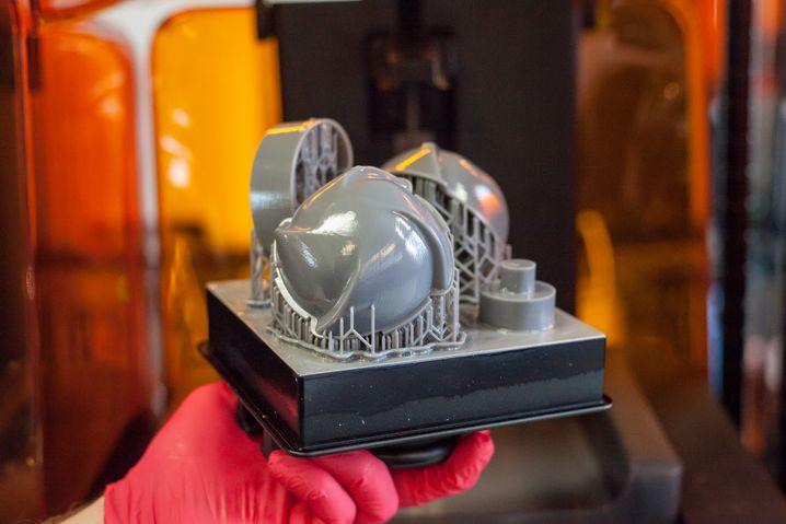 Munition aus dem 3D-Drucker: Aufnahmen des bearbeiteten Modells dienen später dazu, einen Algorithmus zu trainieren