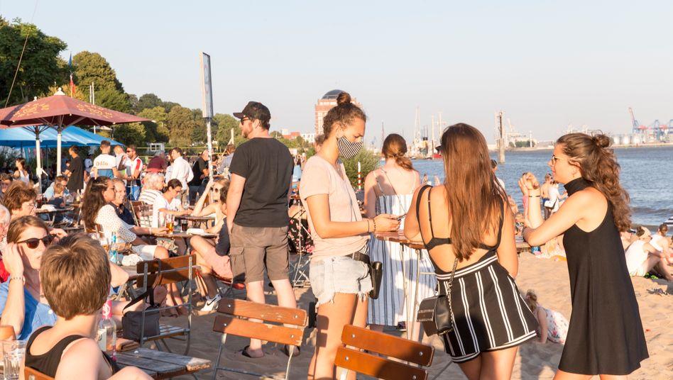 Am Elbstrand in Hamburg – im Corona-Sommer 2020
