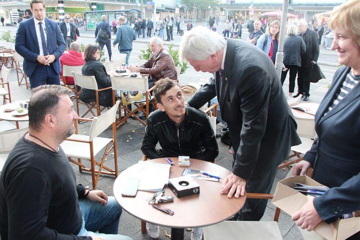 Volker Bouffier auf Wahlkampftour in Kassel