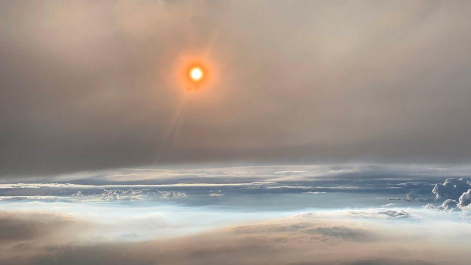 Flug durch eine Feuerwolke über dem US-Bundesstaat Washington: Wie in einer fremden Welt
