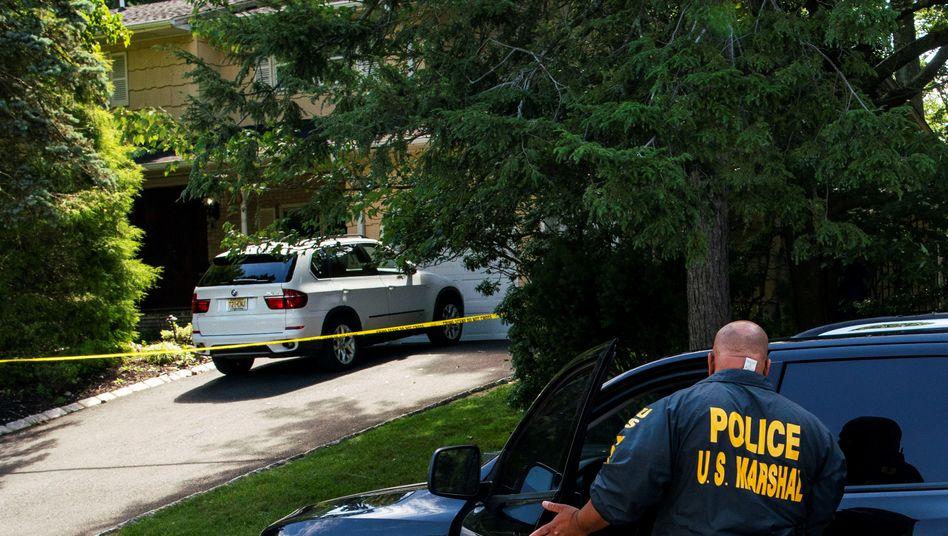 Polizei am Haus von US-Bundesrichterin Esther Salas in New Jersey