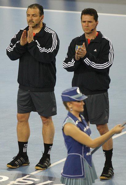 Schiedsrichter Ullrich (l.), Lemme: Vor dem Topspiel Hamburg gegen Kiel abgesetzt