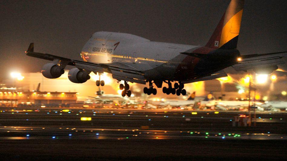 Nachtlandung am Frankfurter Flughafen