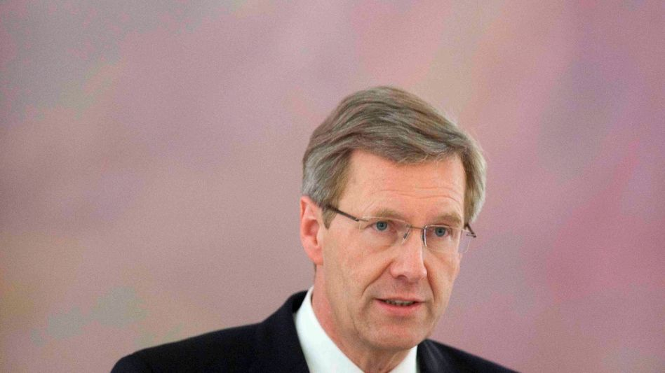 German President Christian Wulff remains in the hot seat.