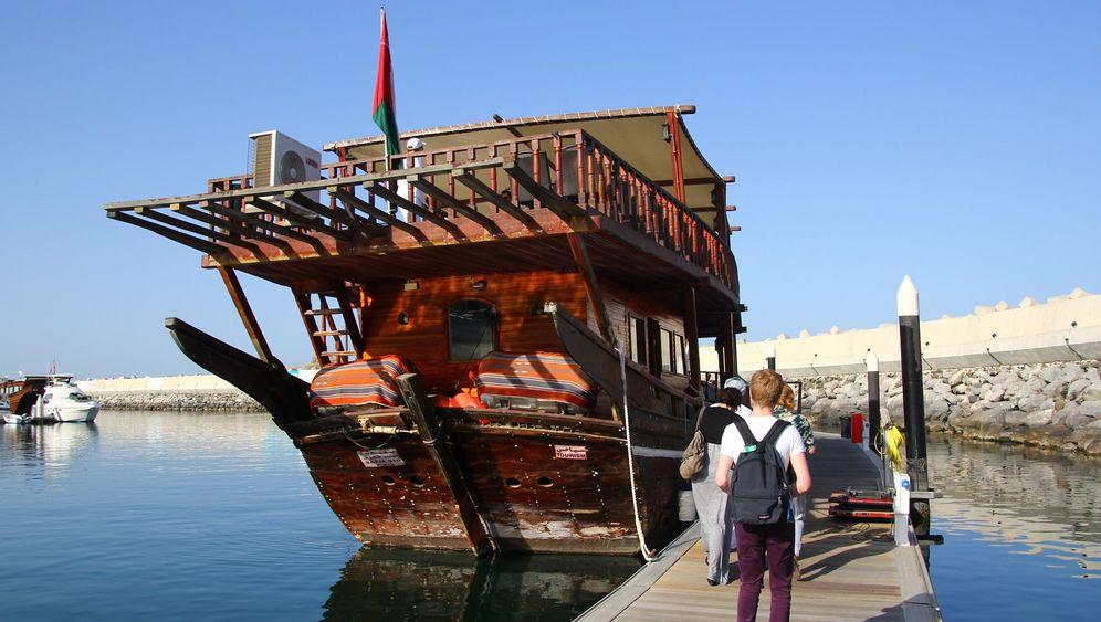 Dhaus in Oman: Schmuckstück mit Segel