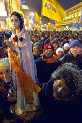 Wenig Beachtung für die Madonna: Die Heilsfigur dieser Tage ist eher Wiktor Juschtschenko