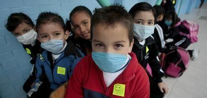 """Schulkinder in Mexiko-Stadt: """"Virus, das mit ziemlicher Sicherheit eine globale Epidemie auslösen wird"""""""