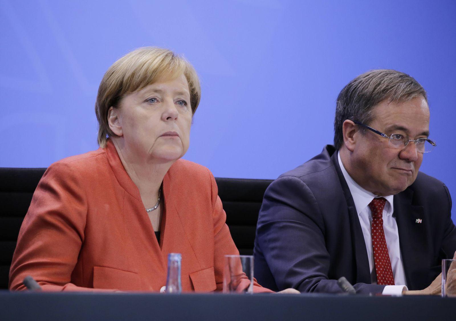 Bundeskanzlerin Angela Merkel NRW Ministerpräsident Armin Laschet Deutschland Berlin Gespräch BK