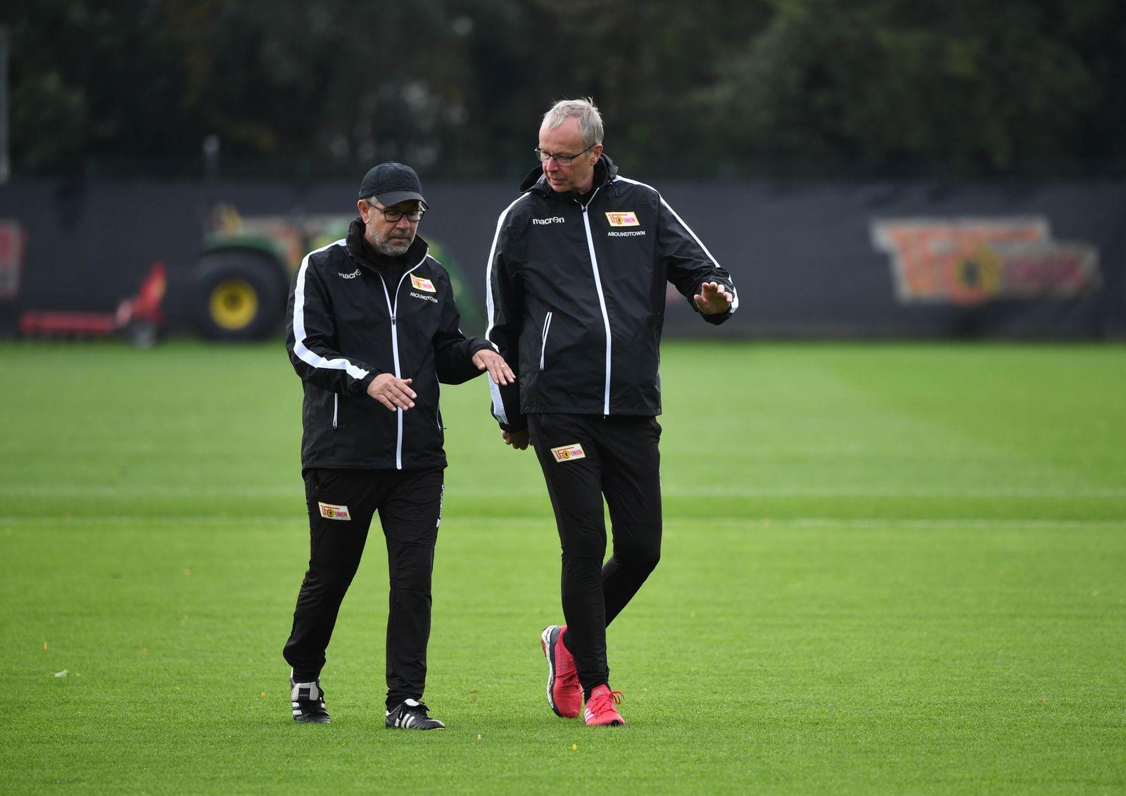 Fussball, Herren, Saison 2019/2020, 1. Bundesliga, 1. FC Union Berlin, Training, v. l. Trainer Urs Fischer (1. FC Union