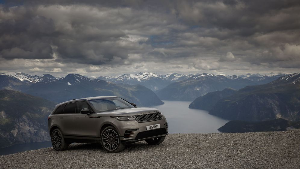 Autogramm Land Rover Range Rover Velar: Mit Stil im Schlick