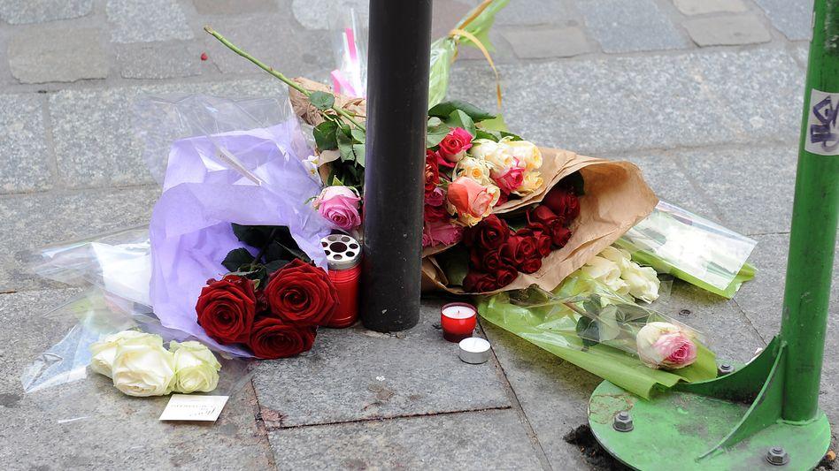 Blumen für getöteten Studenten: Offenbar politisch motivierte Tat