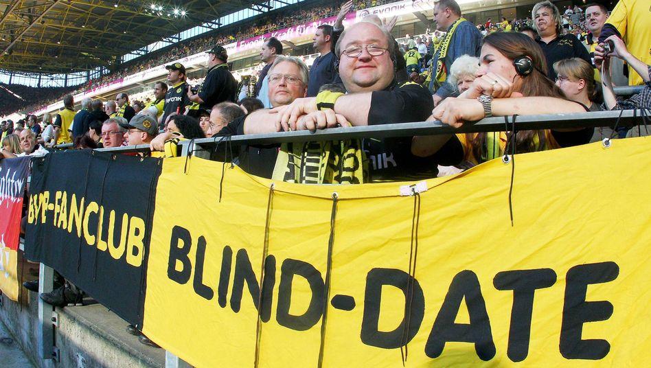 Sehbehinderte Fußballfans: Mit dem Kopfhörer live dabei