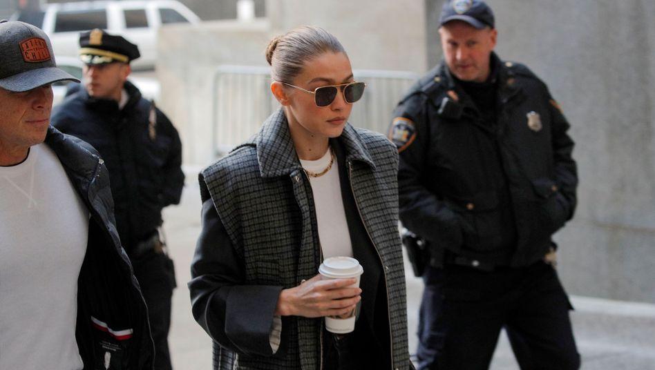 Gigi Hadid in New York vor Gericht: Sie darf nicht über Weinstein richten